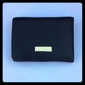🆓🎁 NWT FURLA Black Small Leather Trifold Wallet